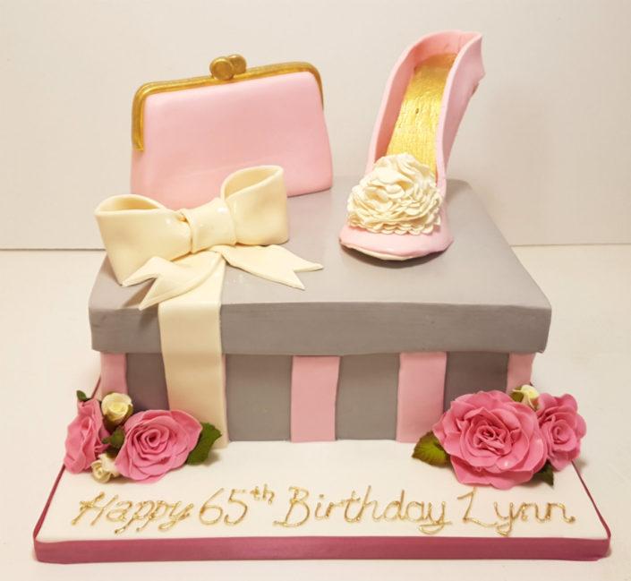 pink and grey shoebox with handbag birthday cake tamworth